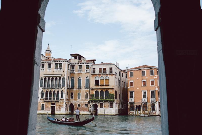 Venice gondola gondolier