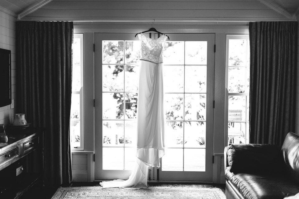 karen willis holmes wedding dress at bendooley estate in southern highlands