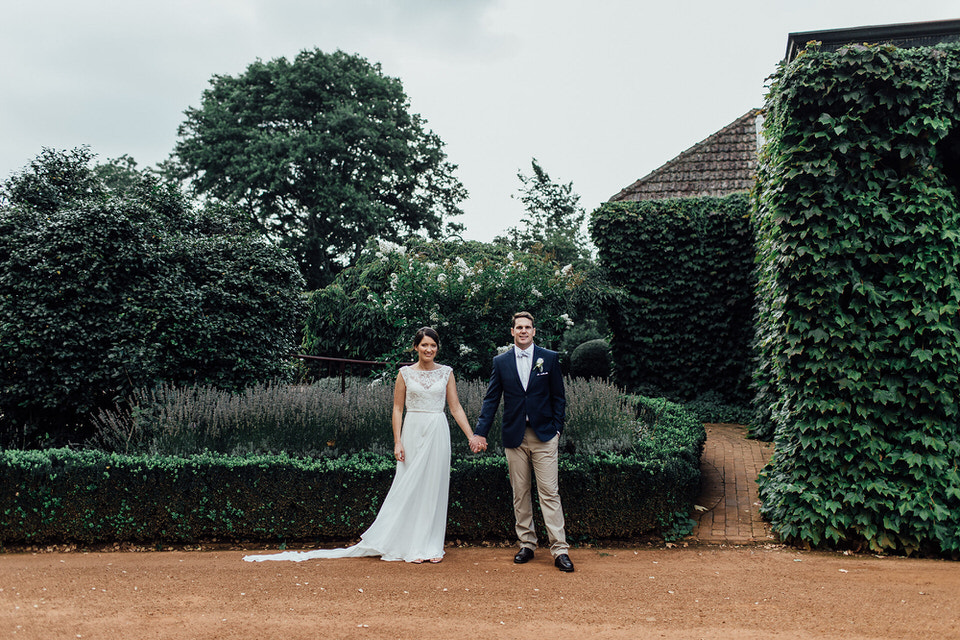 bride and groom at bendooley estate homestead in bowral southern highlands