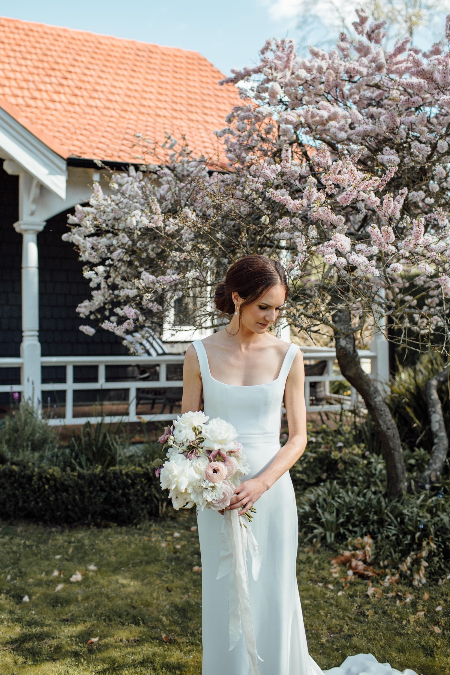 Southern Highlands bride wearing Alexandra Grecco wedding dress with flowers by Emma Blake Floral